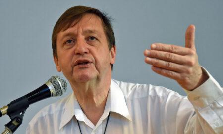 François-Xavier Amherdt, 63 ans, prêtre du diocèse de Sion et professeur
