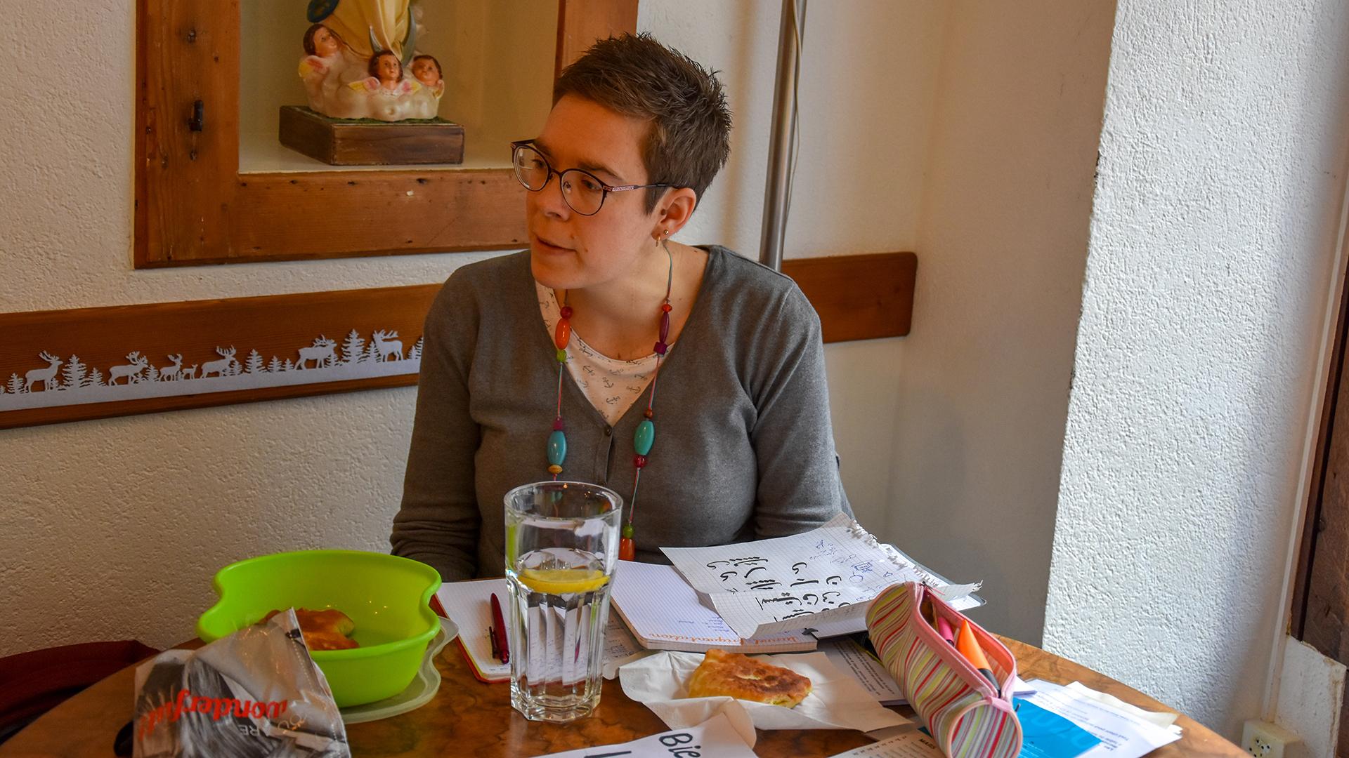 Depuis la mi-décembre, le Service Solidarité & Diaconie de l'Église catholique dans le canton de Fribourg propose tous les mercredis de 14h à 16h au café du Tunnel à Fribourg un espace d'échange et de partage autour de la réalité du travail ou du non-travail.