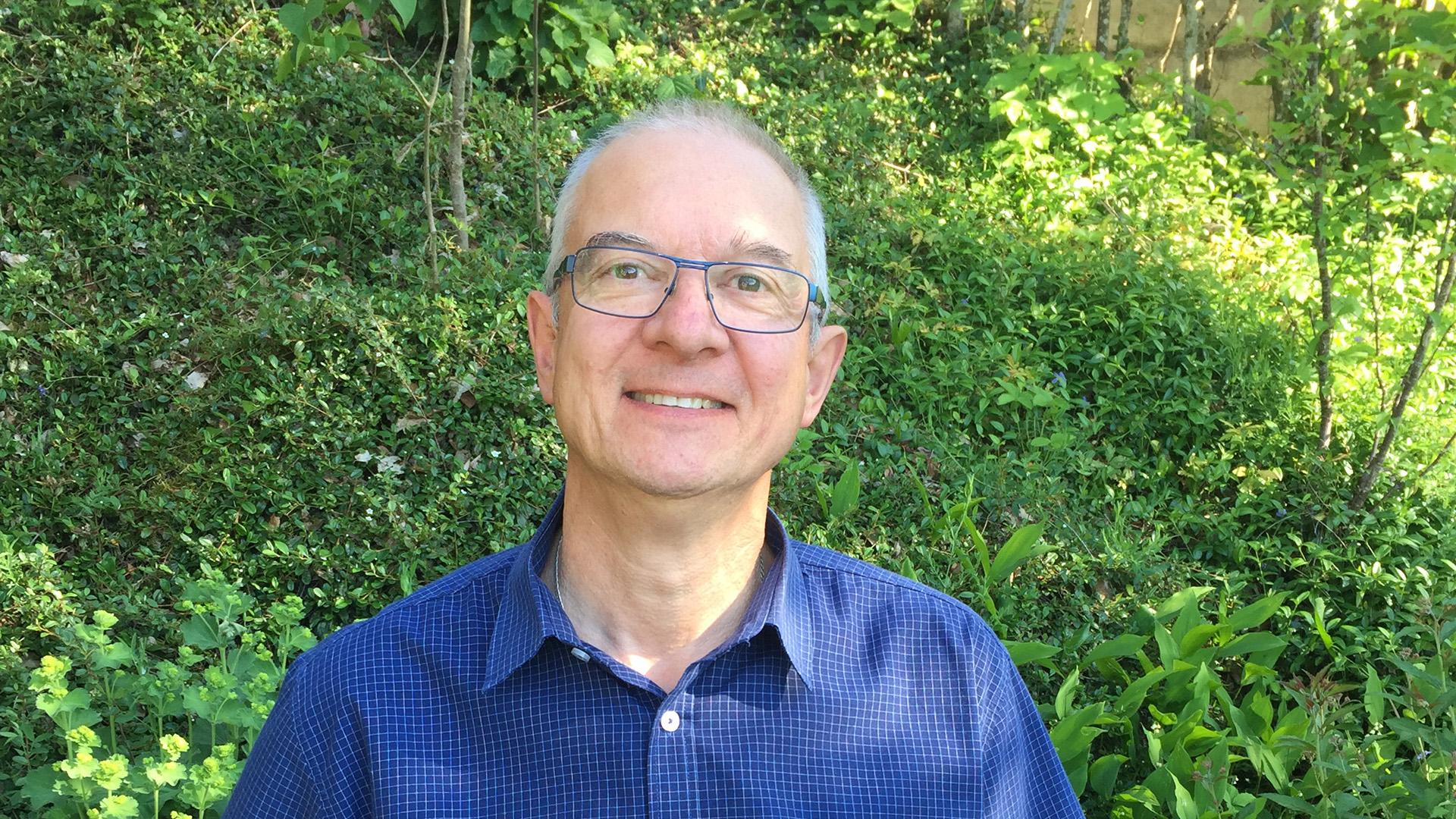 Xavier Delpouve, 62 ans, assistant pastoral UP St Denis, Aumônier EMS